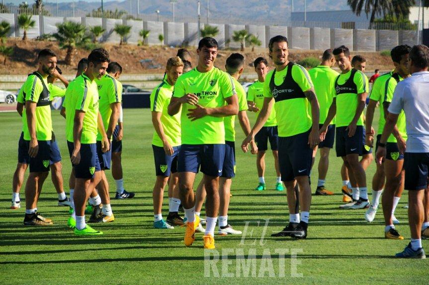 El equipo le da la bienvenida a DiegoGonzález