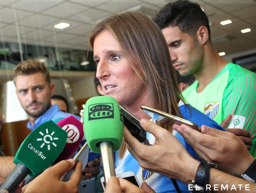 """Adriana: """"Nosotras no venimos a disfrutar de la máxima categoría, venimos a trabajar y a dejar el nombre del Málaga lo más altoposible"""""""