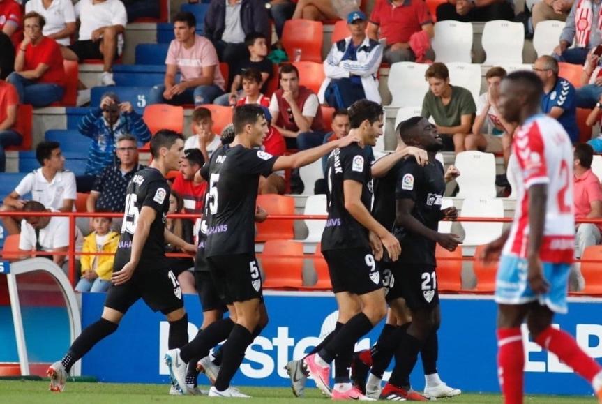 El Málaga de Muñiz toma el Anxo Carro sobre la bocina(1-2)
