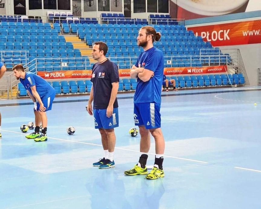 """Nacho Moya, del GAES Málaga, cedido hasta diciembre a un equipo""""Champions"""""""