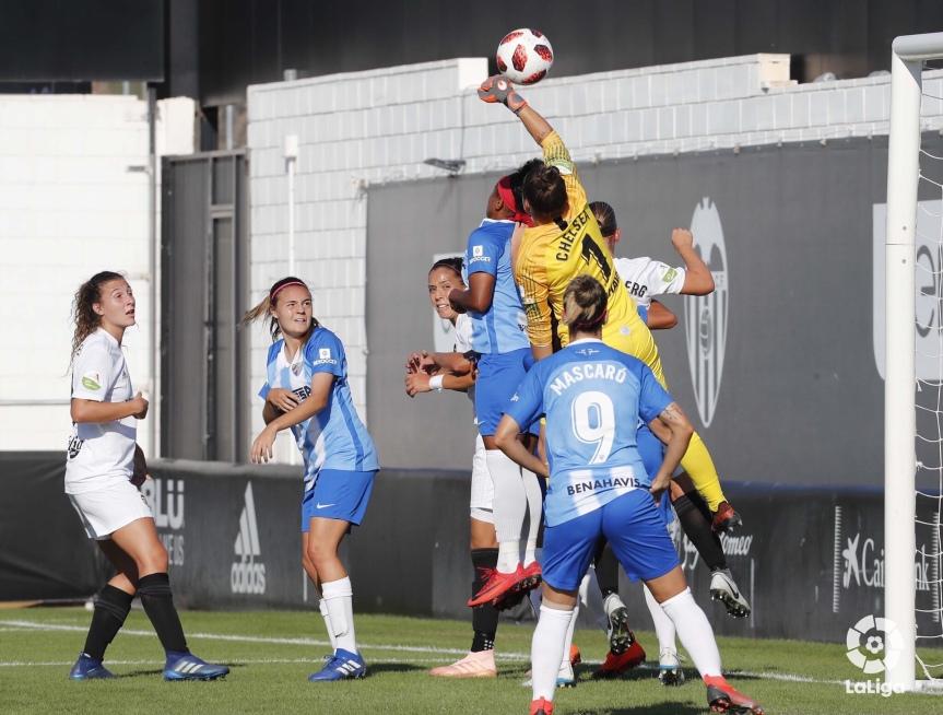 El Femenino estrena su casillero de puntos con un meritorio empate ante el Valencia(0-0)