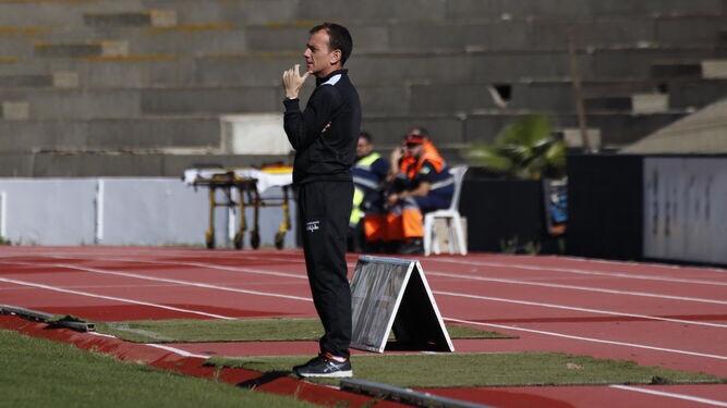Alberto González apunta al banquillo delMalagueño