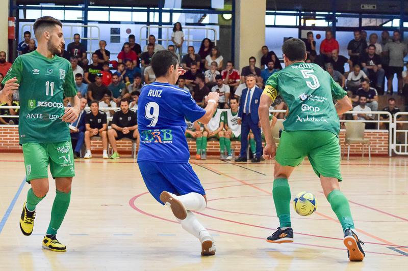 El UMA Antequera se deja dos puntos en Móstoles(2-2)